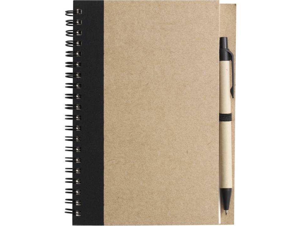 2715-001_foto-1-draadgebonden-notitieboekje-met-balpen-low-resolution-227312