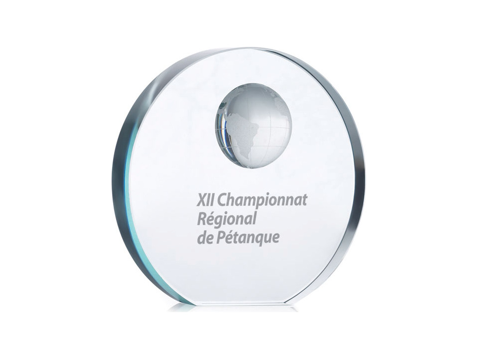 Glazen trofee met wereldbol