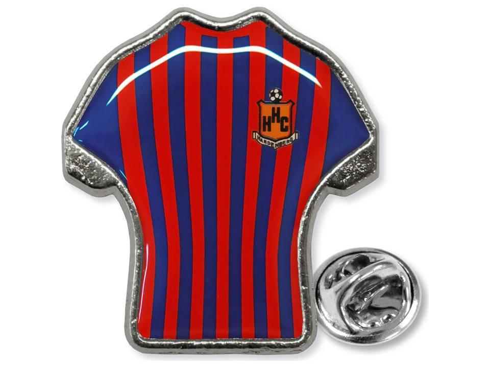 Pin in vorm van shirt