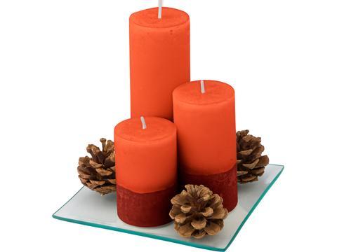 Kaarsenset met decoratieve dennenappels
