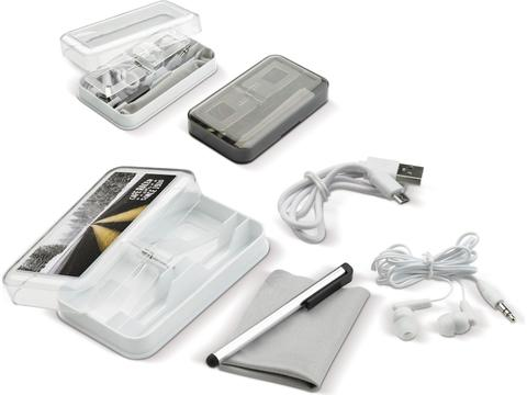 Electronic travel accessories set