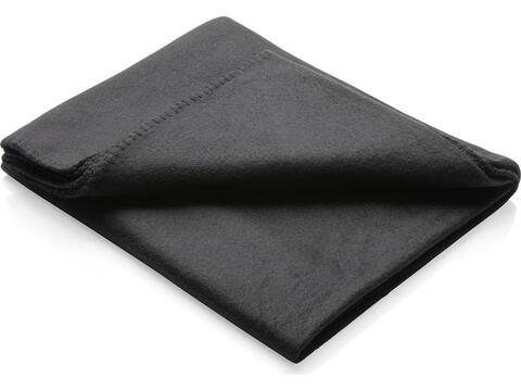 Fleece blanket in pouch
