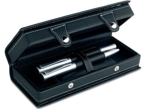 Fountain pen set in gift box