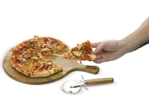Planche à découper avec couteau à pizza