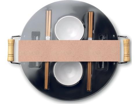 Wok, 2 bowls & chopsticks
