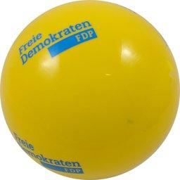 Plastic voetbal geel