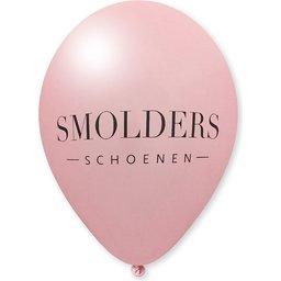 smolders