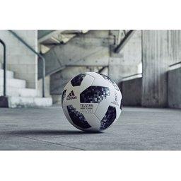 voetballen laten maken